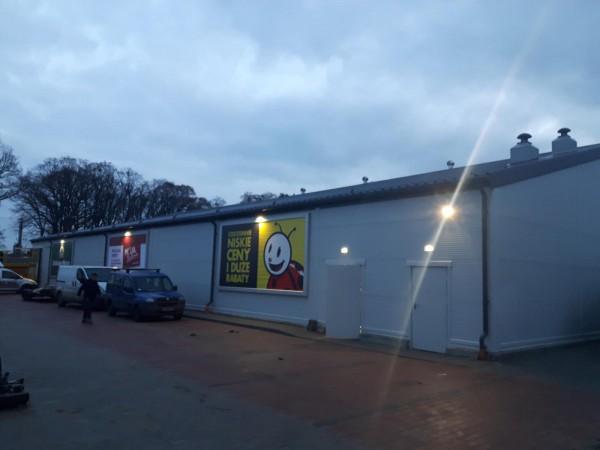 03-Budynek-handlowo-usugowy-Largo-Hale-Biedronka-Osie
